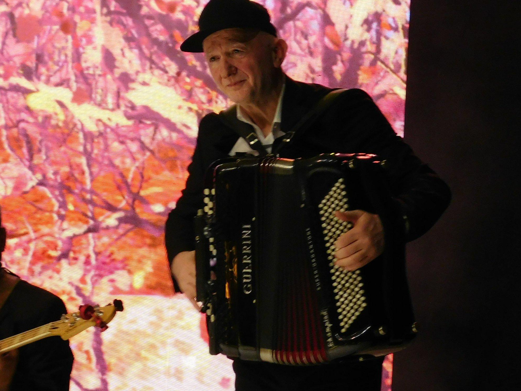 Концерт народне музике – Миша Мијатовић са вокалним извођачима – Вински трг